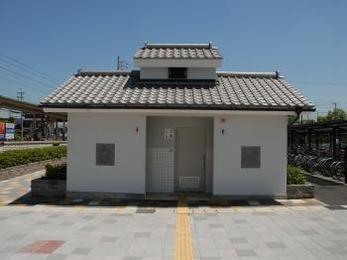 日本の伝統である、いぶし瓦の存在感が際立っています!
